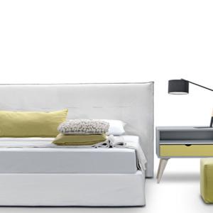 Κρεβάτι 190x210x103εκ.  με αποσπώμενο ύφασμα για στρώμα διαστάσεων 160x200εκ.  Το στρώμα υποστηρίζεται από σανίδες.